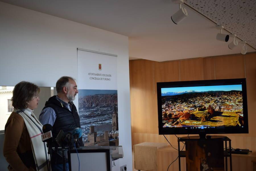 Guadix apuesta por la Alcazaba y las visitas a la torre de la catedral en Fitur