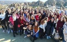 Estudiantes de intercambio conocen las cuevas de Guadix