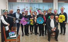 El Centro de Participación Activa de Guadix celebra el Carnaval a lo grande