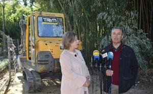 Arrancan los trabajos de construcción de un módulo de aseos públicos en el parque municipal