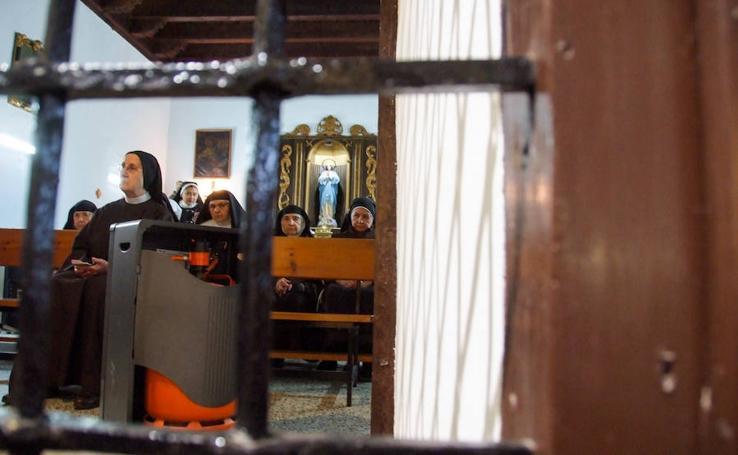 La clausura de Santiago cierra sus puertas por fuera