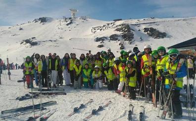 Quedan plazas disponibles para para la actividad 'Un día de esquí en Sierra Nevada'