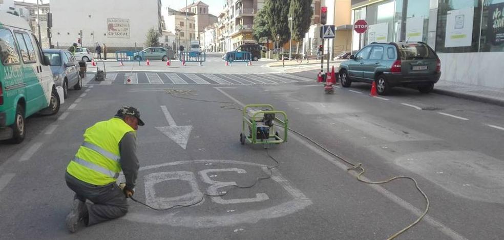 Nueva señalización horizontal y reordenación del tráfico en Manuel de Falla
