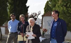 Acto institucional de conmemoración del Día de la República y de Memoria Histórica y Democrática en el cementerio