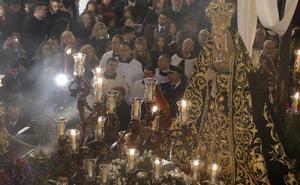 La Soledad recibe el pésame de Guadix durante el Sábado Santo