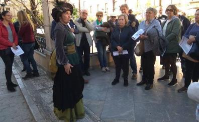 La última edición de Pasea Guadix realizan un recorrido Alarconiano para celebrar el Día del Libro