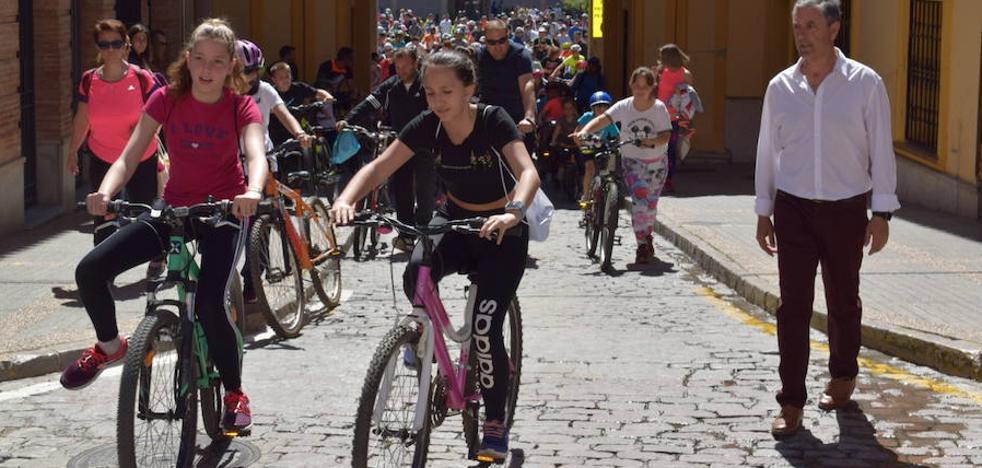 El Día de la Bicicleta propone una jornada de actividad deportiva en familia