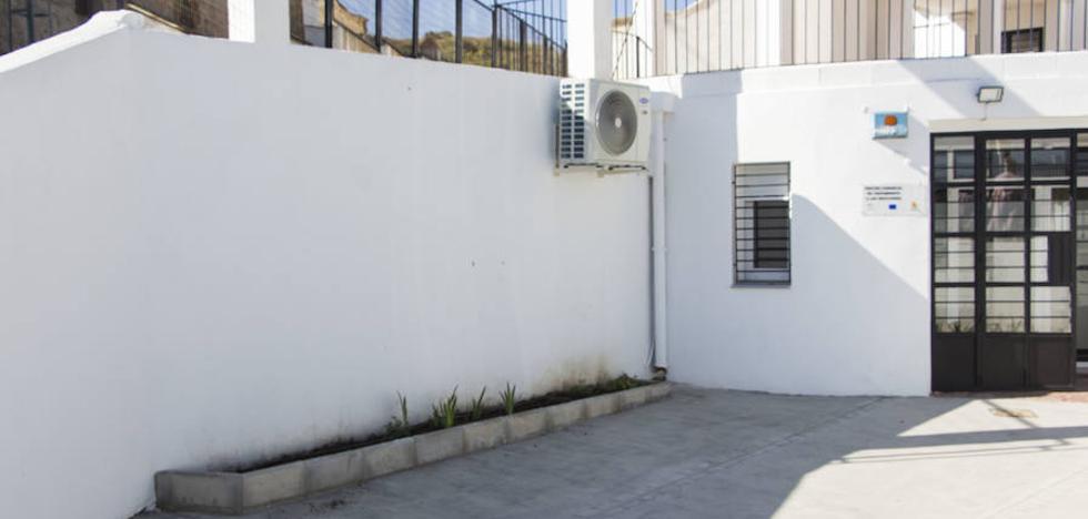 El Ayuntamiento repondrá las plantas ornamentales en el Centro de Tratamiento a las Adicciones
