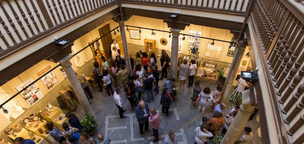 La Escuela de Arte muestra en una exposición los trabajos del alumnado de los diferentes ciclos formativos