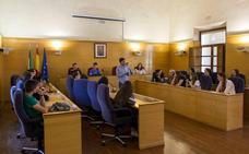 Estudiantes alemanes de intercambio con el IES Acci visitan el Ayuntamiento de Guadix y conocen la ciudad
