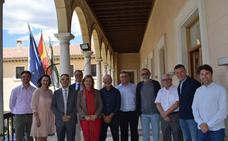 Homenaje a compañeros jubilados y menciones especiales a los que cumplen 30 años de servicio en el Ayuntamiento de Guadix con motivo de Santa Rita