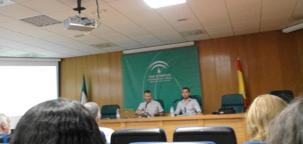 Guadix participa en una jornada sobre el nuevo Decreto de la Junta de Andalucía que mejorará la protección de las personas consumidoras