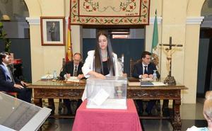 Dimite Margarita Alcalá como concejala del Ayuntamiento de Guadix