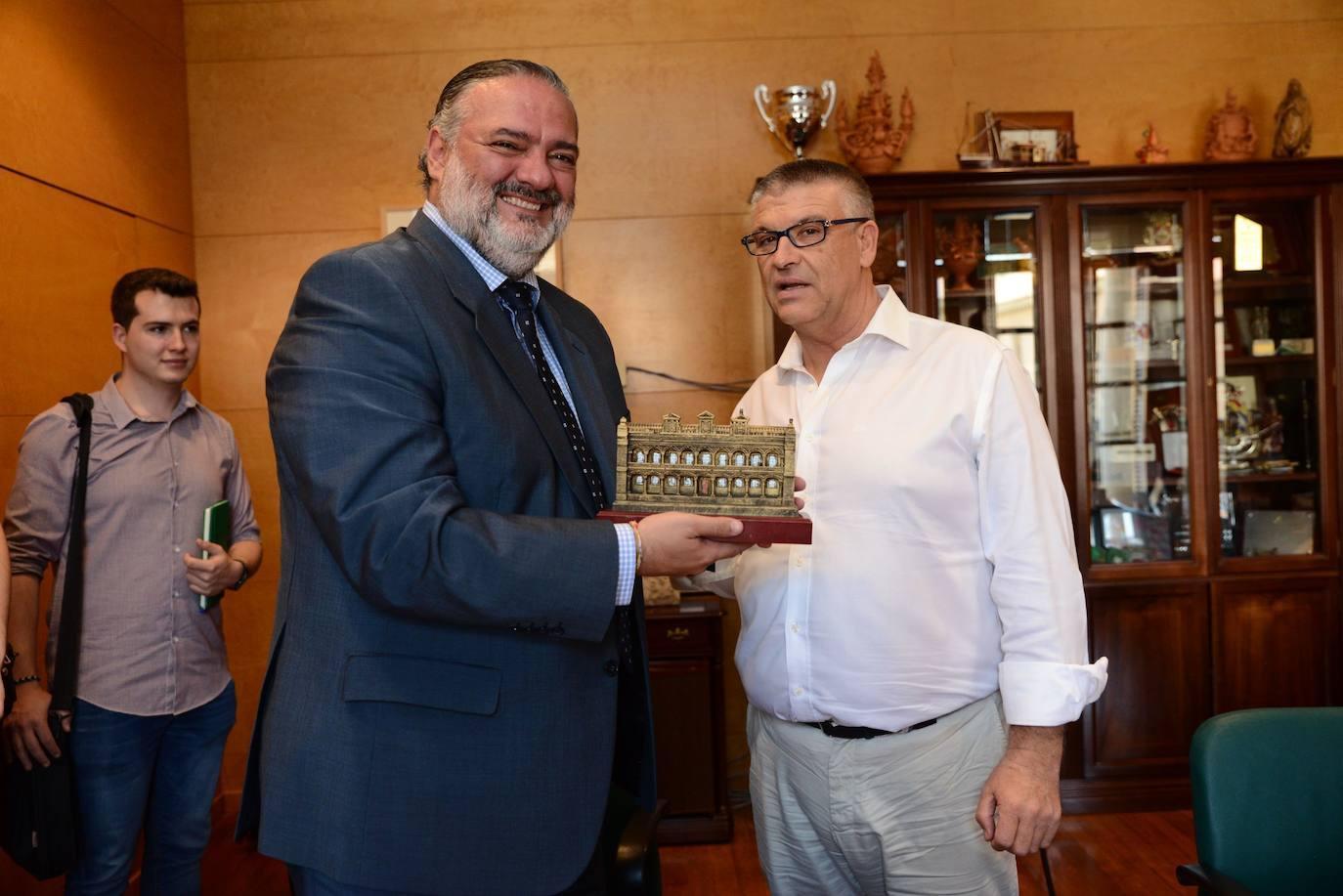 La Junta se compromete con el Ayuntamiento de Guadix a impulsar los proyectos que generen oportunidades para la comarca