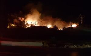 Declarado un incendio forestal en Marchal, en la comarca de Guadix