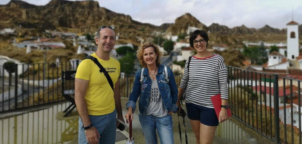 María Calvo e Iñigo Pedrueza, directores de El Giroscopo Viajero, visitan Guadix