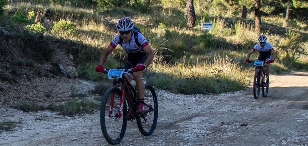Pablo Poyatos y José Onieva (Mipez Racing Team) vencen en la prueba por parejas de 'La implacable de Moratalla'
