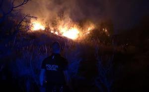 Dos incendios en Guadix movilizan a los bomberos durante toda la tarde
