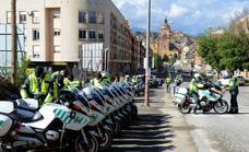 73 motoristas de la Guardia Civil recorren la provincia de Granada desde Guadix hasta Almuñécar