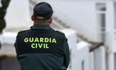 Agrede a un hombre en plena calle de Guadix para robarle el teléfono movil