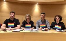 Repintan un banco de Huétor Vega en el que el PSOE había plasmado la bandera arcoíris