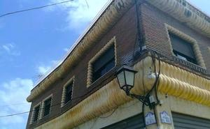 Izquiera Unida pide la eliminación del cableado aéreo en Huétor Vega