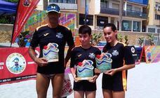 Los nadadores hueteños Marta Teva y Ángel Blázquez triunfan en Roquetas de Mar