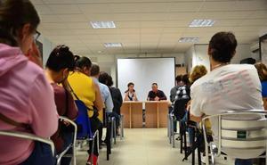 Albañiles, pintores y barrenderos: los puestos más demandados en los planes de empleo en Huétor Vega