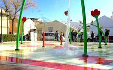 Huétor Vega estrena una nueva zona de juegos acuáticos en Caicena