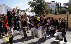 Batucada y personajes de Disney para animar el Carnaval de Huétor
