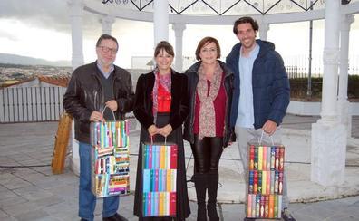 Día del Libro: los hueteños llenan la plaza para leer a Cervantes