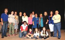El taller de teatro de Huétor Vega se viste de gala por una buena causa
