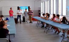 Un taller de voluntariado activo conciencia a los jóvenes de Huétor
