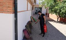 El Ayuntamiento de Huétor Vega realiza una puesta a punto de los colegios para el inicio del curso