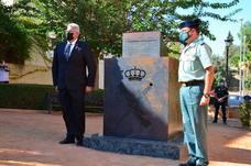 Inauguración del monolito y la plaza en memoria del agente Arcos en Huétor Vega