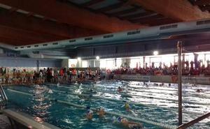 La piscina de Las Gabias acoge a 300 nadadores no federados en unas jornadas de natación