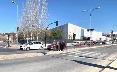 La conexión en autobús de los municipios de la Vega con la capital mejora tras la supresión de una mediana