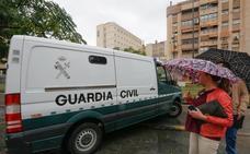 El juez atribuye ocho delitos al presunto asesino del guardia civil de La Zubia