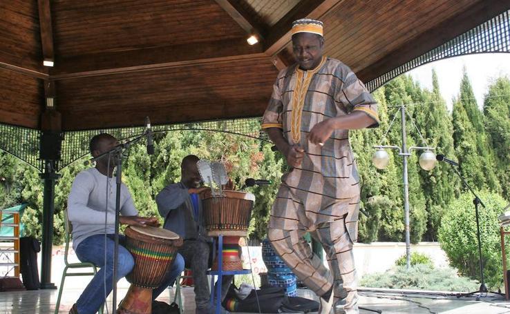 La Feria de las Culturas de La Zubia, en imágenes