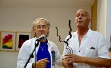 Una exposición homenajea al poeta Pedro Enríquez en el Carmen Jiménez de La Zubia