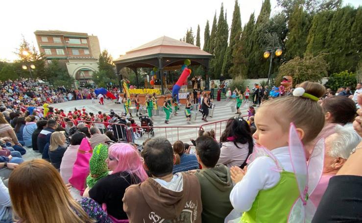 Así se vive el tradicional carnaval de La Zubia