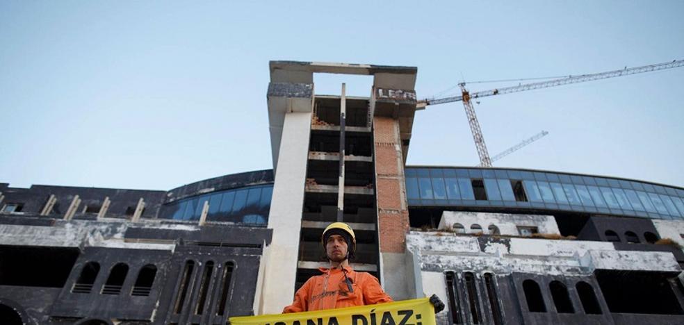 Greenpeace acusa a la Junta de retrasar la demolición de El Algarrobico hasta 2023