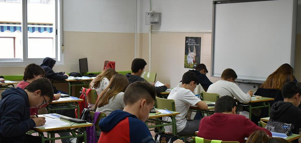 Más de medio millar de estudiantes se citan en Cuevas por las matemáticas