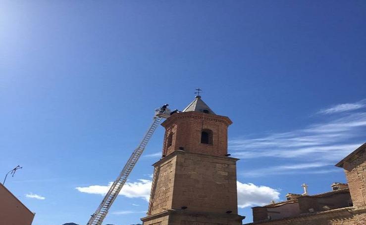 El temporal daña la torre de la iglesa de Turre