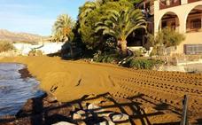 Pulpí regenera las playas de San Juan de los Terreros para el verano