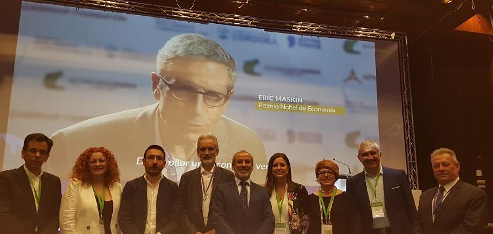 Vera aumenta sus conocimientos sobre economía circular y desarrollo sostenible