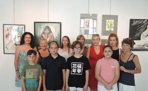 La Agrupación Amigos de la Pintura expone en el Centro de Arte 'la Fuente'