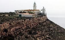 El faro de Mesa Roldán, «un referente en España y más que una señal marítima»