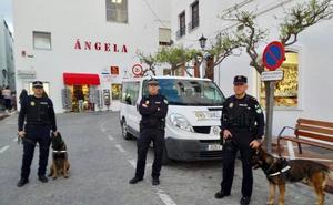 La Policía Local de Mojácar incorpora dos perros