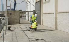 Comienza la reparación del muelle de lonja de carboneras